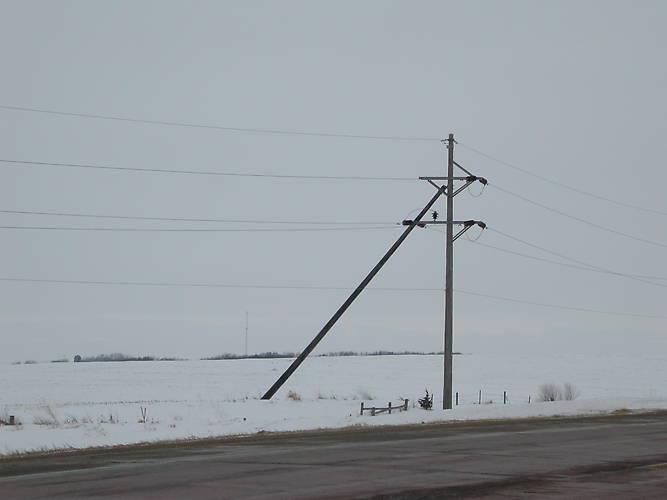What Is Transmission >> Line Construction Details > Push brace transmission pole